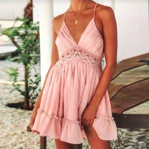 Dresses & Skirts - Brand New Women's Sleeveless Lace Dress